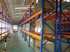 悬臂货架的结构与一般的货架不一样